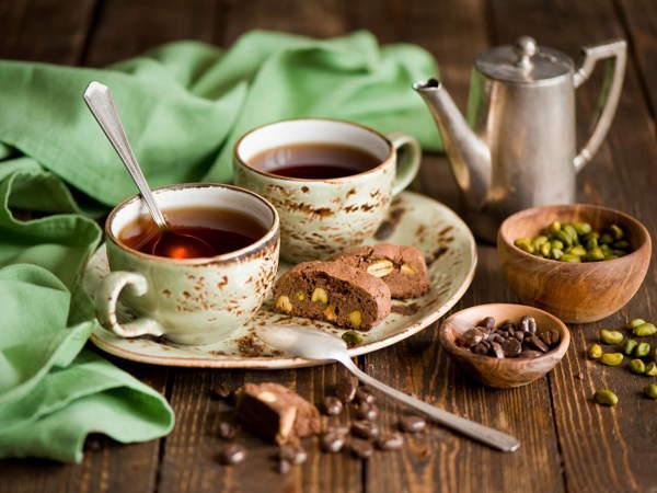 Пить чай с ложкой