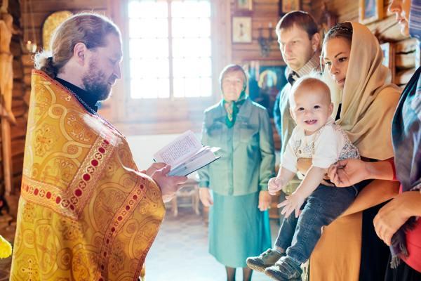 можно ли крестить ребенка беременной женщине