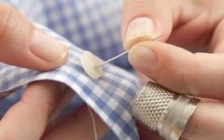 Почему нельзя зашивать на себе одежду