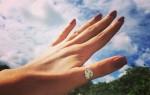 Кольцо на большом пальце: значение примет