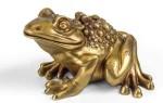Что означает символ и талисман лягушки с монеткой во рту?