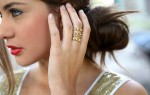 Что означает кольцо на среднем пальце?