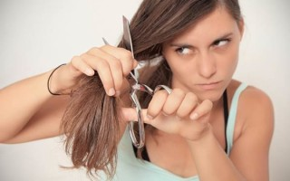 Можно ли самой себе стричь волосы: что скажут приметы?