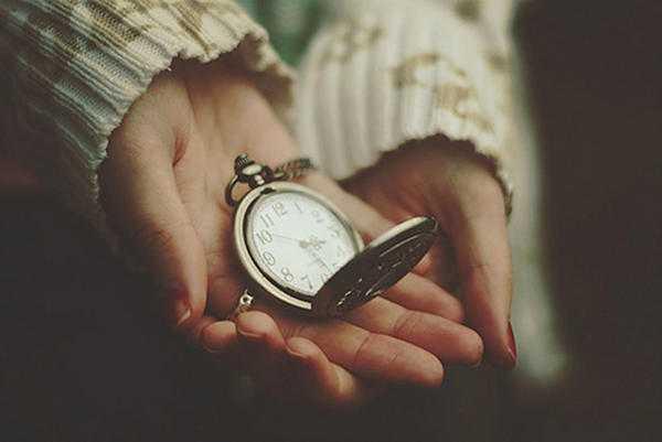 Почему остановились часы на руке