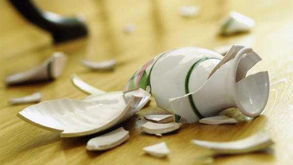 Каких последствий ждать от разбившейся вазы