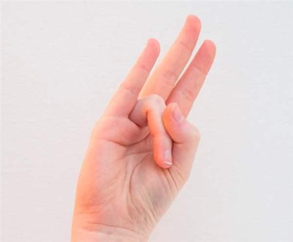 Почему чешется безымянный палец на правой руке