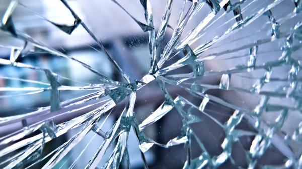 Народные приметы о разбитом стекле