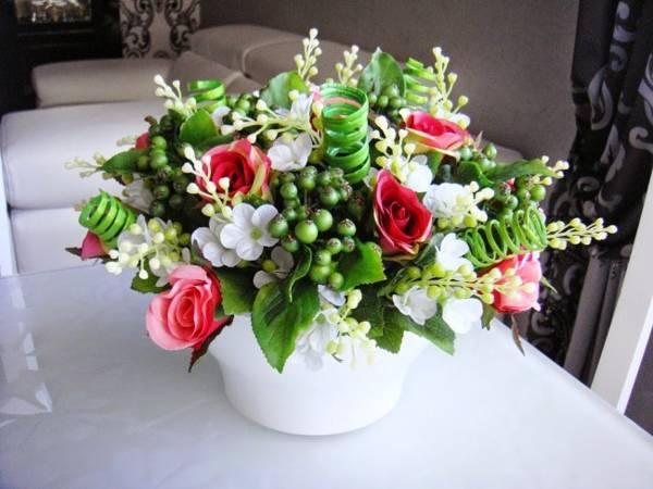 можно ли дарить искусственные цветы на день рождения приметы