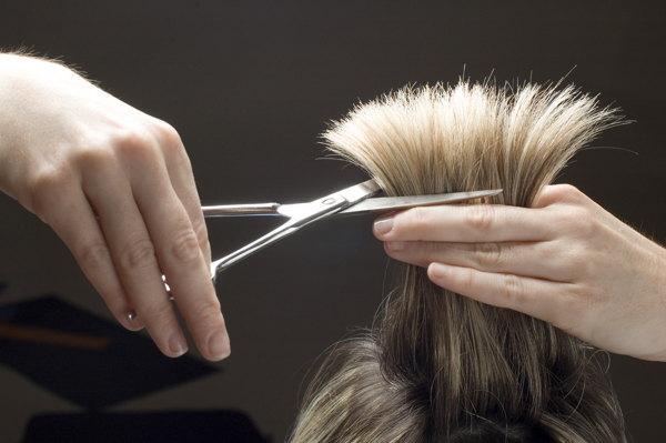 стрижка волос в воскресенье