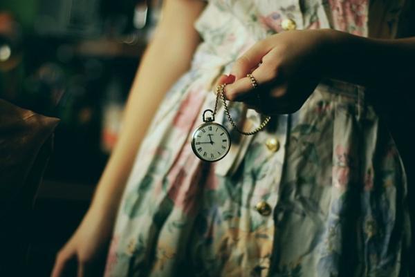 почему не дарят часы в подарок
