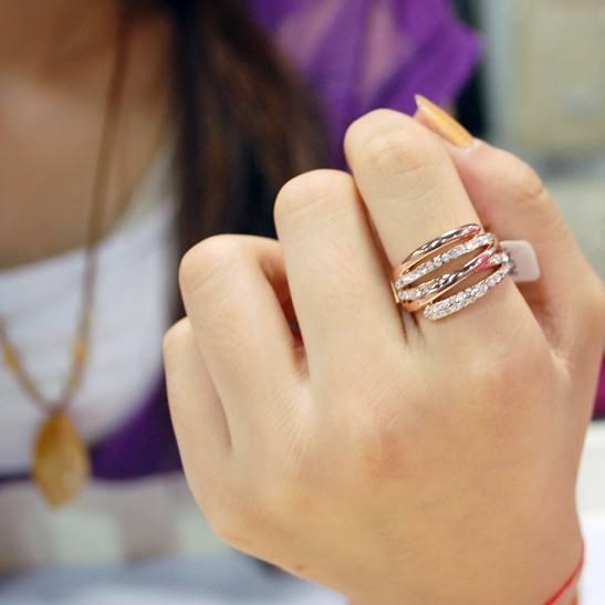 приметы о кольце на указательном пальце