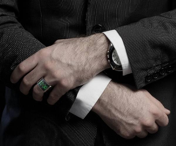 кольца на безымянном пальце