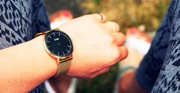 можно ли дарить часы в подарок