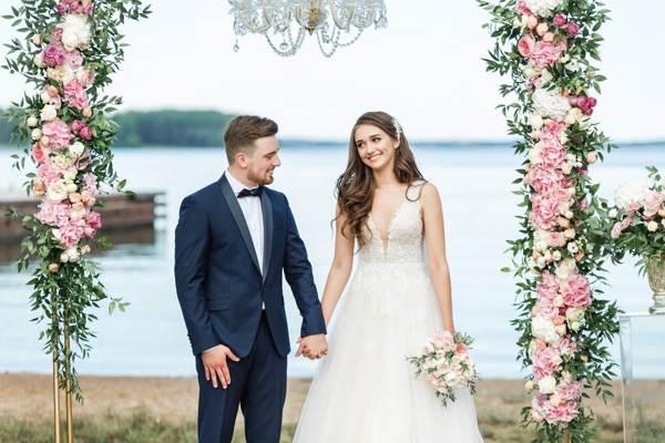 можно ли продавать свое свадебное платье
