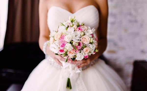 к чему снится свадебное платье на себе незамужней девушке
