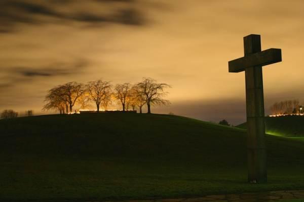 почему на кладбище нельзя оборачиваться