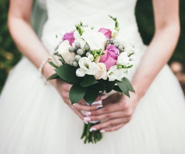 к чему снится поймать букет невесты