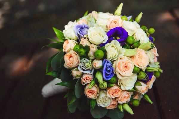 к чему снится поймать букет невесты на свадьбе