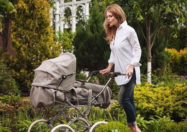 почему нельзя катать пустую детскую коляску